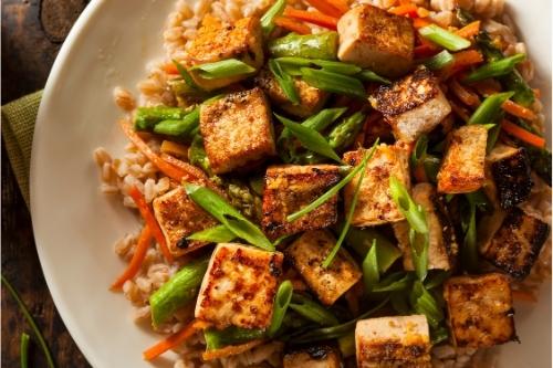 Тофу, боровинки, доматена супа, кисело мляко са полезни за панкреаса.