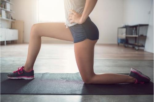 За да отслабнете в бедрата, трябва да правите интензивни кардио упражнения.