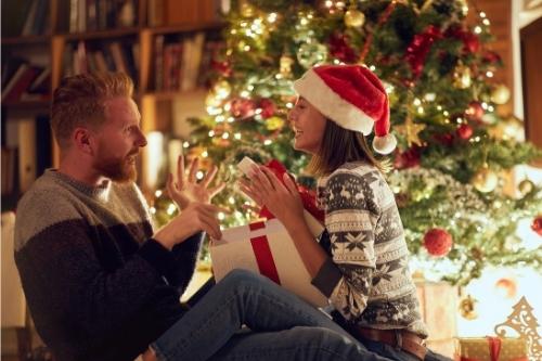 Как се избира подходящ коледен подарък за близки, роднини, приятели?