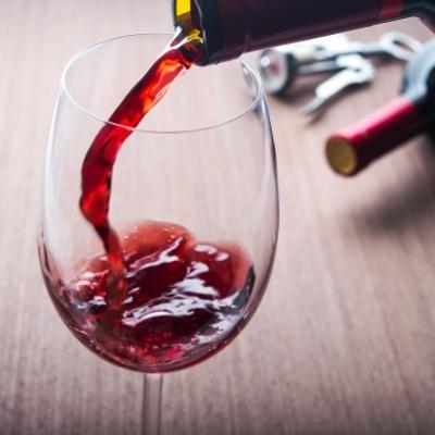 Виното намалява депресията и подпомага сърдечното здраве.